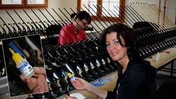 Der neue BEARPAW Super Kleber ist in der BogenSportWelt bereits im Dauereinsatz
