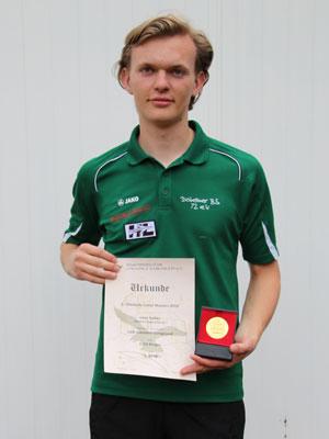 Compoundschütze Leon Hollas wird Erster bei den Chemnitz Masters 2015