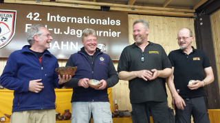 Richard Klesmann freut sich über seinen zweiten Platz beim 42. Internationalen Feld- und Jagdturnier in Dahn