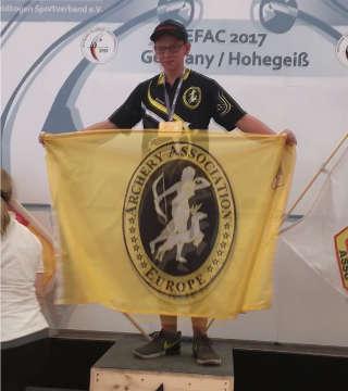 Hannes Hecht schießt bei der EFAC neuen Weltrekord und wird Europameister