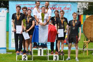 Die Mannschaftssieger des Europacup Bogenlaufen in Berlin