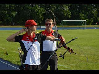 Moritz Wieser mit seinem Trainer auf der Rangliste in Kienbaum
