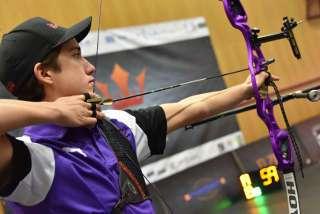 Noah Pop beim internationalen Turnier Kings of Archery