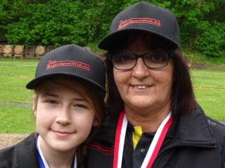 Jona Müller mit Teamkollegin Silke Müller auf der Thüringer LM