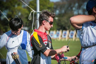 Recurveschütze Moritz Wieser an der Schießlinie bei der WM der Jugend in Argentinien