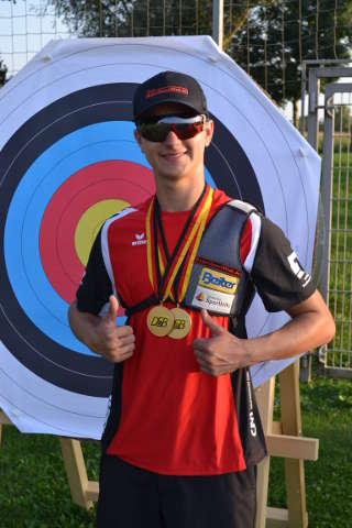 Doppel-Gold für Moritz Wieser bei der DM der Jugend des DSB in Hallbergmoos