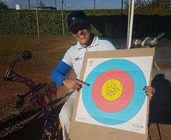 Jane Karla freut sich über ihren neuen Brasilianischen Rekord von 695