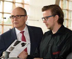 Ministerpräsident Erwin Sellering im Gespräch mit René Kliewe von der BogenSportWelt.de