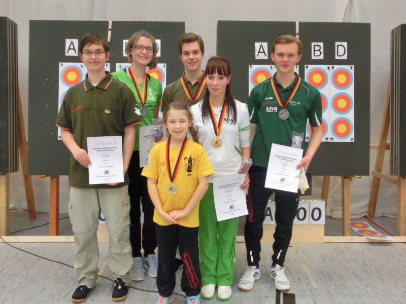 Medaillenregen für das Team der BogenSportWelt bei der Deutschen Meisterschaft in Blumberg 2015