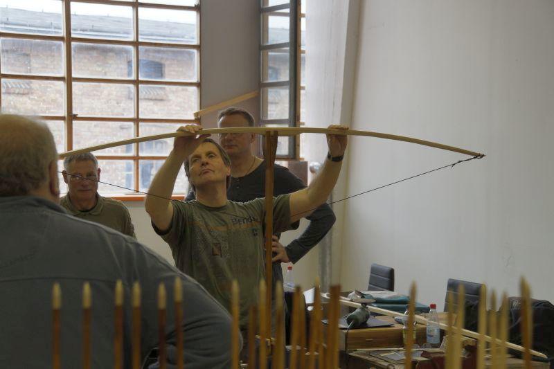 Bogenbau: Das Tillern des Langbogens