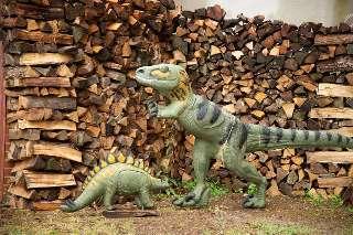 Achtung, nehmt euch in Acht - die Dino's sind los!