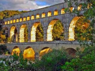 Der Pont du Gard ist schon von weitem zu erkennen