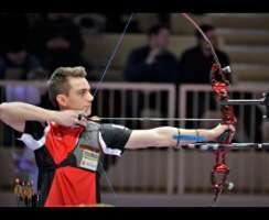 Moritz Wieser erzielte auch in der Juniorenklasse Gold auf der DM Halle DSB in Solingen