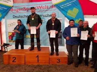 Heiko Kirchner wurde mit seinem Jackalope Amber Langbogen Deutscher Meister Waldrunde 2018