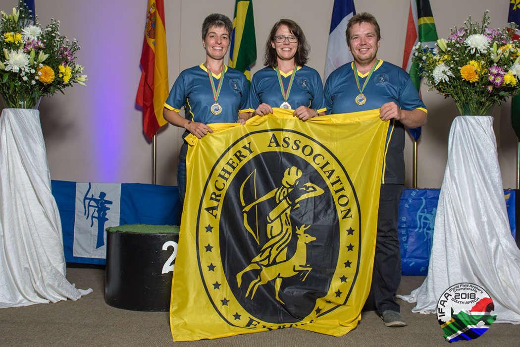 Glückliche Gesichter bei der Deutschen Mannschaft: Sieg bei den World Archery Field Championships IFAA in Südafrika